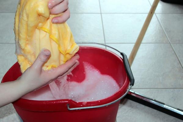 putz-bucket-1290940_1280